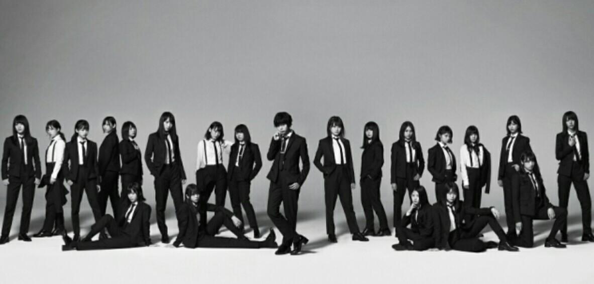 欅坂46の5thシングル『風に吹かれても』のアーティスト写真と収録曲が公開