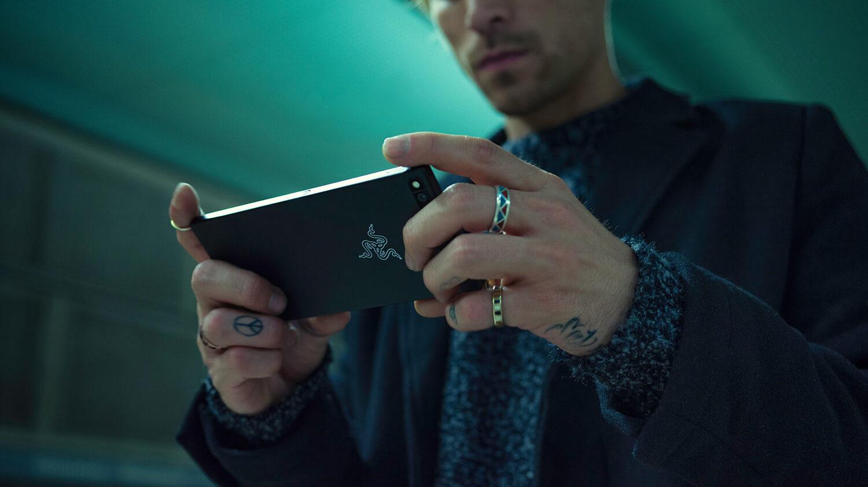 「Razer Phone」の使用イメージ