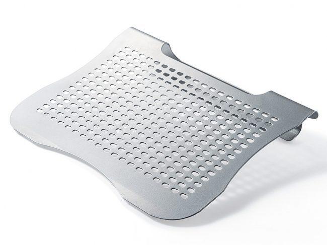 スチール製ノートパソコンスタンド「100-CR012」が発売!楽な姿勢で作業ができる