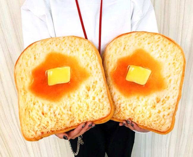 サンキューマートのトーストクッション