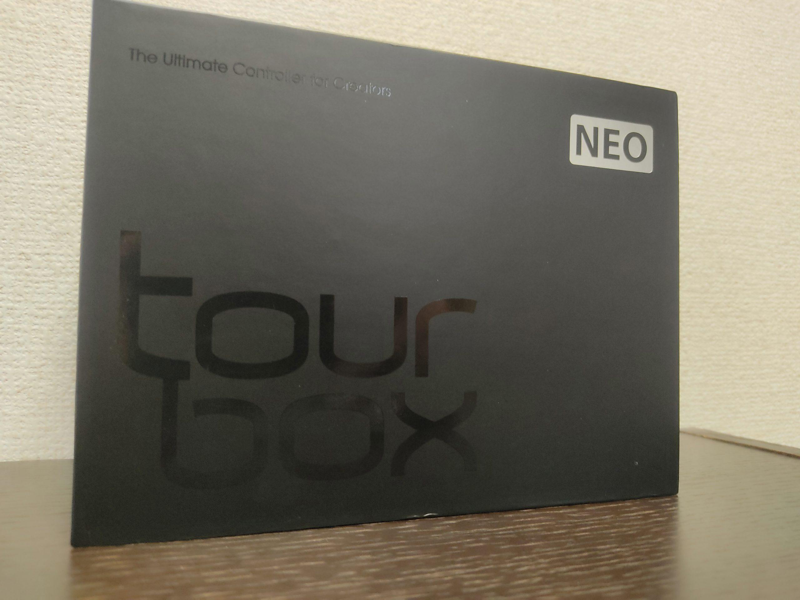 「Tour Box NEO」の製品パッケージ
