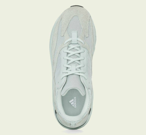 「YEEZY BOOST 700 SALT」のアッパー