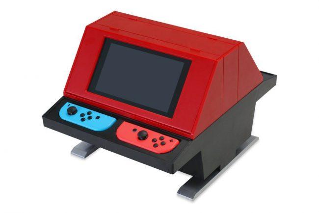 NintendoSwitchをセットするだけでゲーセン風になる対面型スタンドが登場!