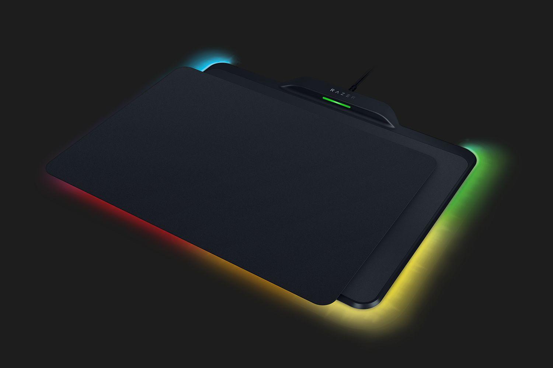 「Mamba + Firefly HyperFlux」のマウスパッド