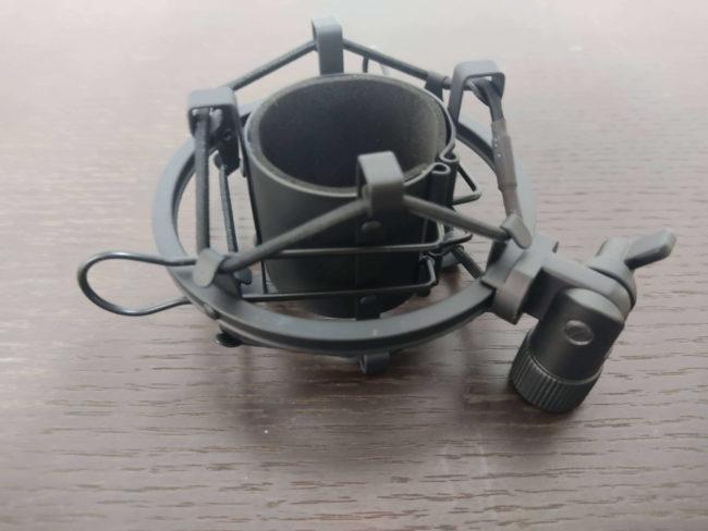 「MAONO USBコンデンサーマイク AU-PM421」のショックマウント