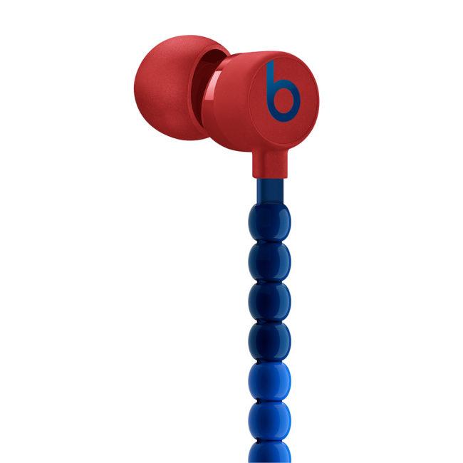 「BeatsXイヤフォン sacai Special Edition」のイヤーパッドの細部