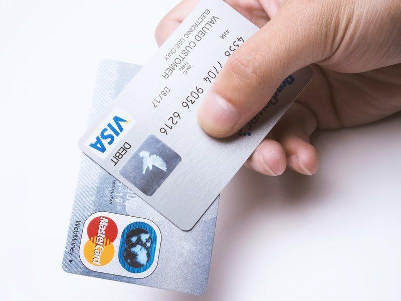 Amazonが分割払いとリボ払いに対応!Visa・Mastercard・JCBのカードで利用可能