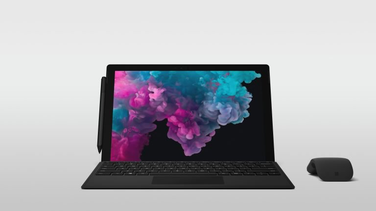 「Surface Laptop 2」の外観