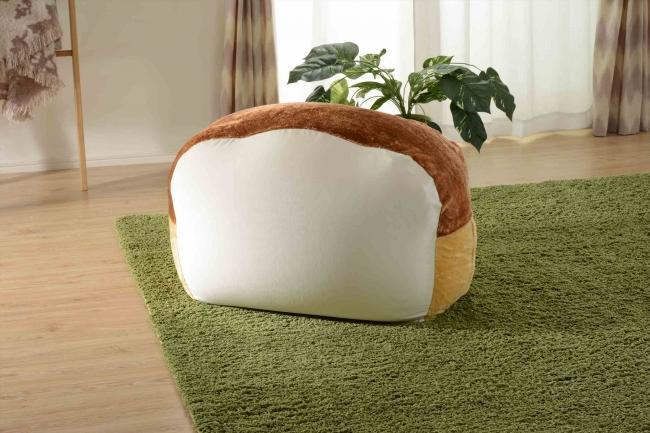 ビーズソファー「人をダメにする食パン」のふわもち感は本当にヤバイ