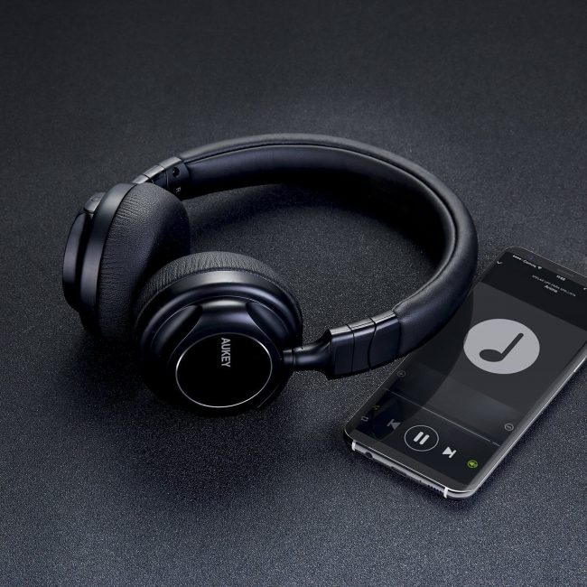 AUKEY、折り畳み式Bluetoothヘッドホン「EP-B36」を発売!約18時間連続再生可能