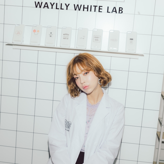 「WAYLLY WHITE LAB COLLECTION」とテリちゃんの写真