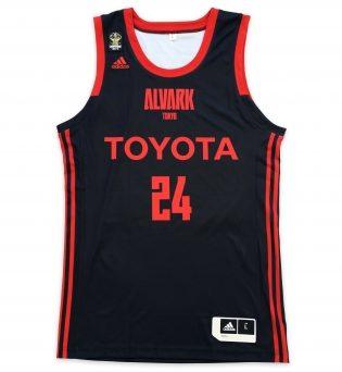 ALVARK TOKYO(アルバルク東京)の2018-19シーズン新ユニフォーム(HOME)前