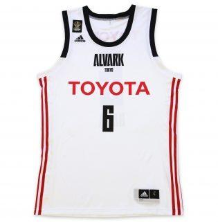 ALVARK TOKYO(アルバルク東京)の2018-19シーズン新ユニフォーム(AWAY)の前
