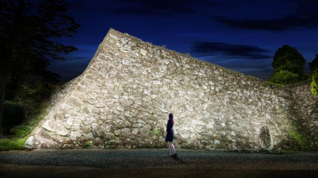 呼吸し呼応する石垣 – 高知城