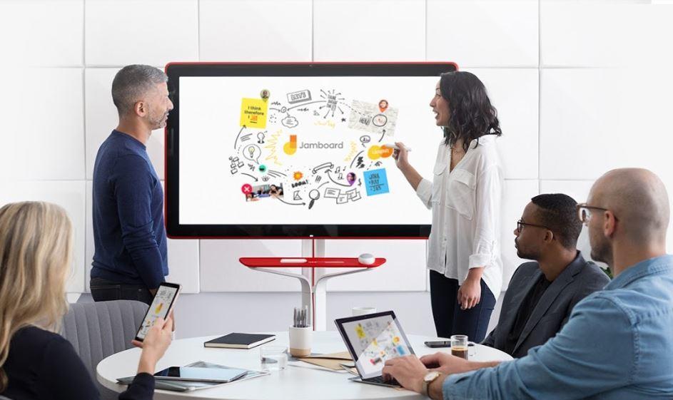 「Jamboard」を使用して会議を行っているイメージ