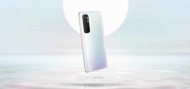 Xiaomi Mi Note 10 Lite(日本モデル)のグレイシャーホワイト