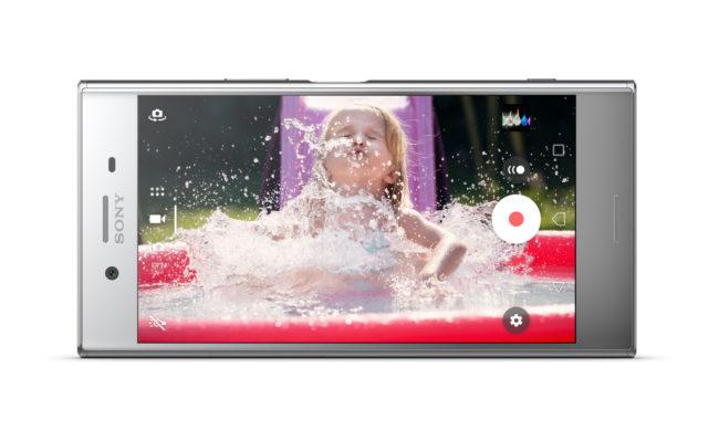 「Xperia XZ Premium SO-04J」のディスプレイ