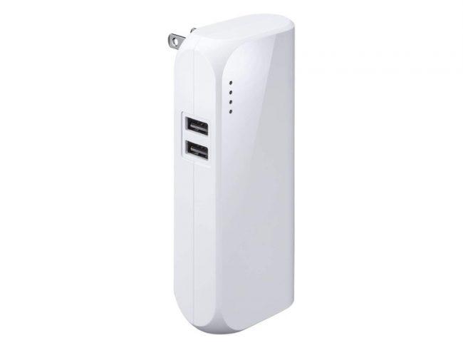 充電器が一体になったモバイルバッテリー「700-BTL034」が便利!コンセントに直接させる